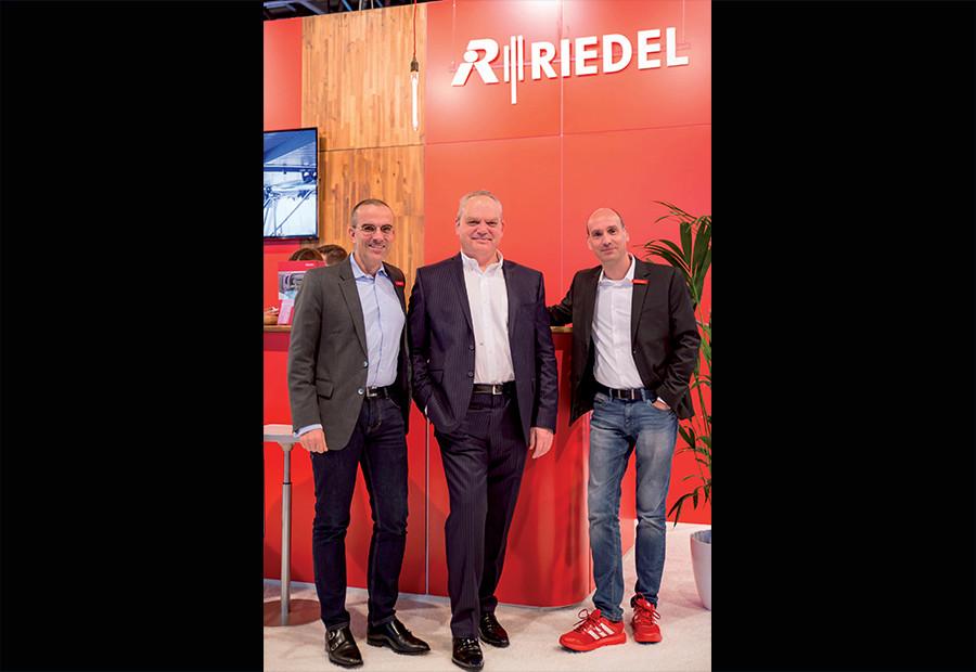 RIEDEL COMMUNICATIONS SE RAPPROCHE DES MUSICIENS